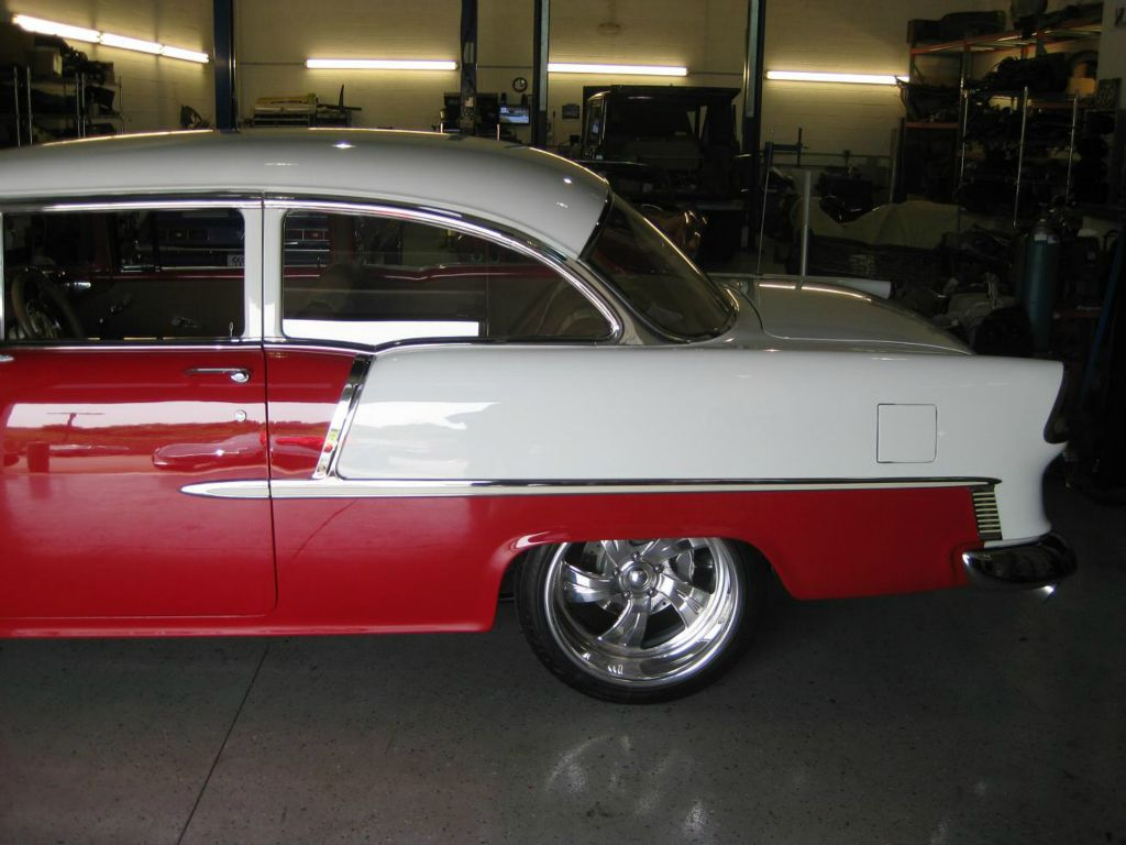 All Chevy chevy 2 door : 1955 Chevy 2-Door Red and White
